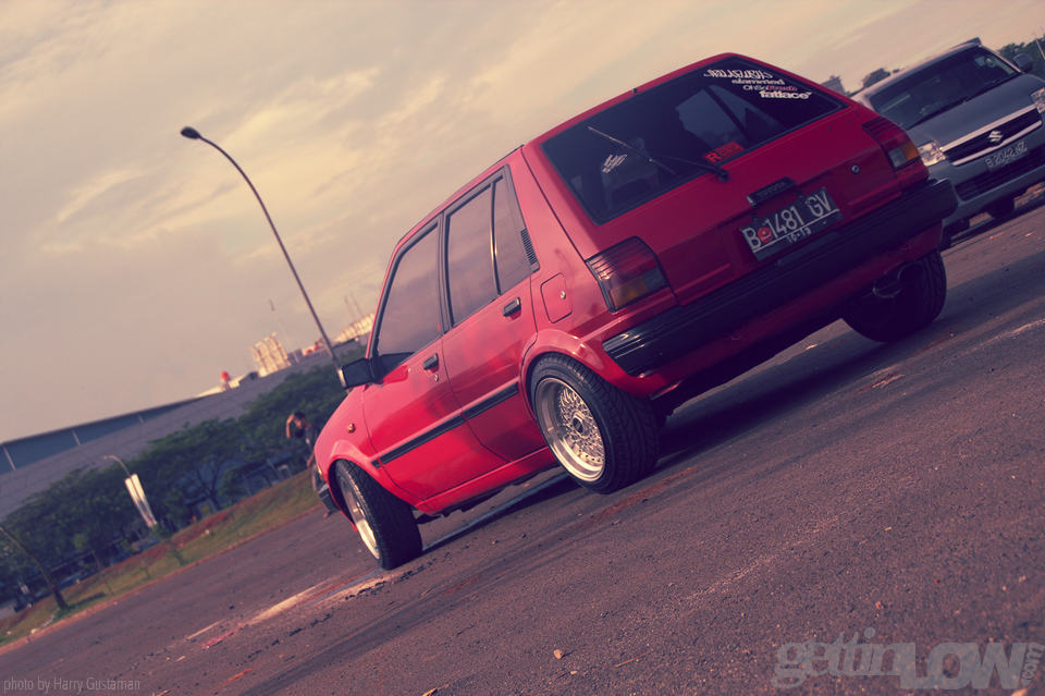red toyota starlet 7