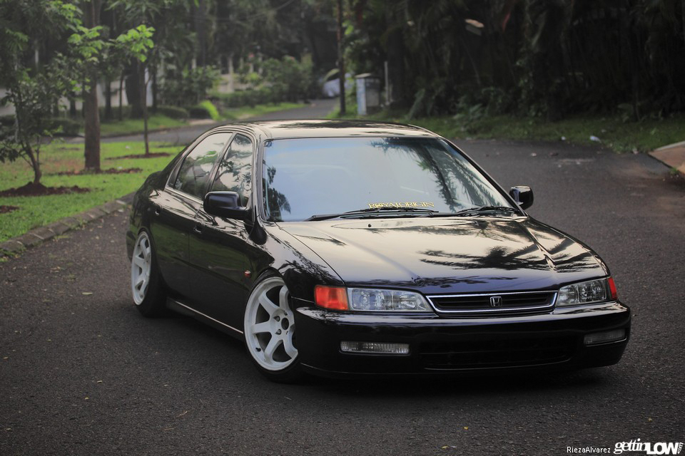 97 honda accord suspension with Dimas Thamrins 1997 Honda Accord Cd5 on 10xzt 2002 Dodge Ram 1500 4x4 4 7l V8 also Honda Civic 1 7 2000 5 Specs And Images moreover Honda Prelude 2 2 1999 Specs And Images also 84200 How To Upgrade Sound System 4 moreover Honda Accord 1991 Honda Accord Wreck.