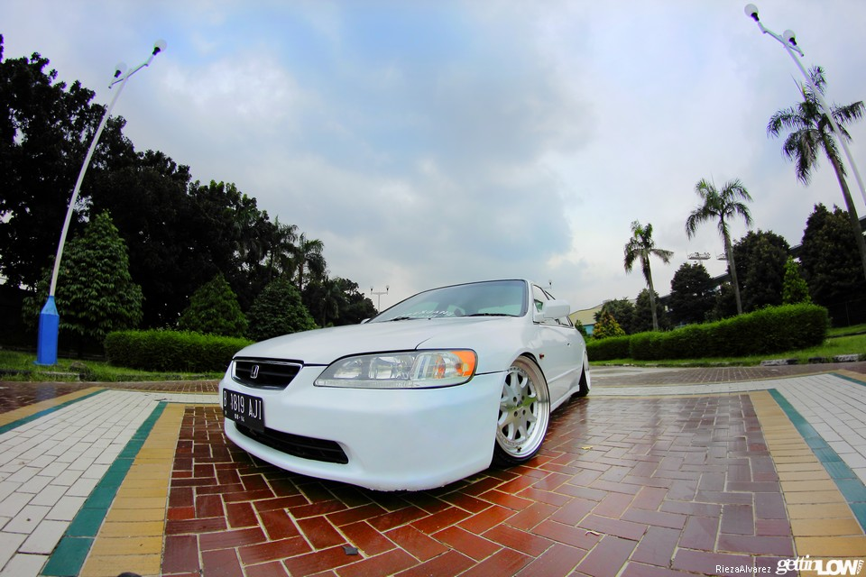 Ajie's 2000 Honda Accord VTiL