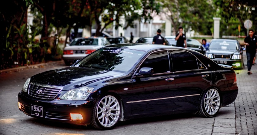 Onta's 2005 Toyota Crown