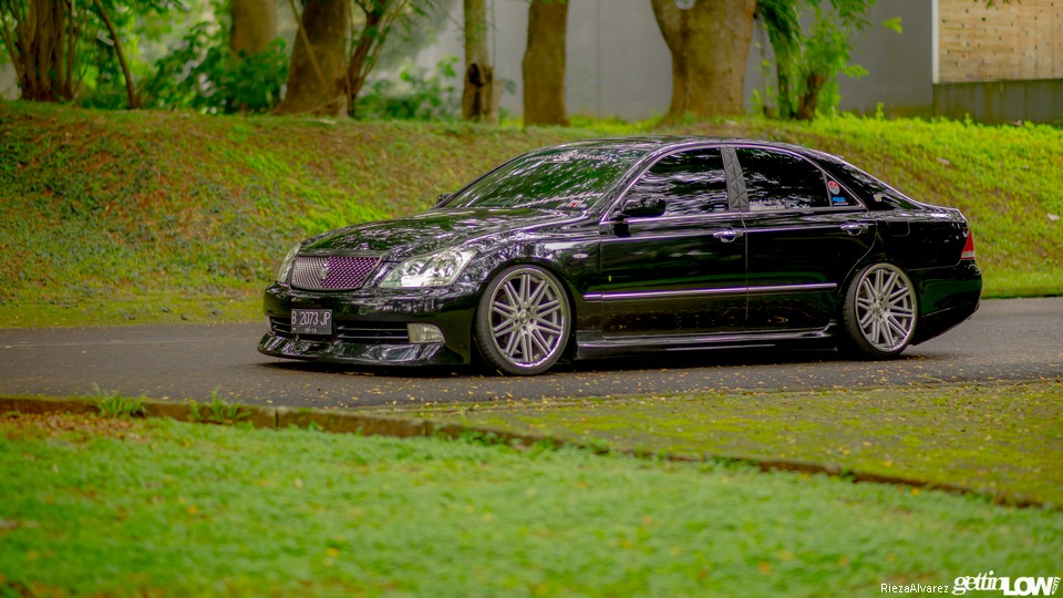 Adit 2005 Toyota Crown Athlete