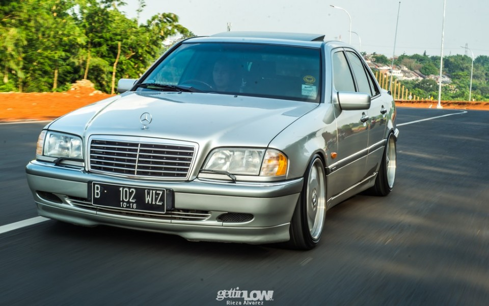 Wizzy Garage's Mercedes-Benz W202