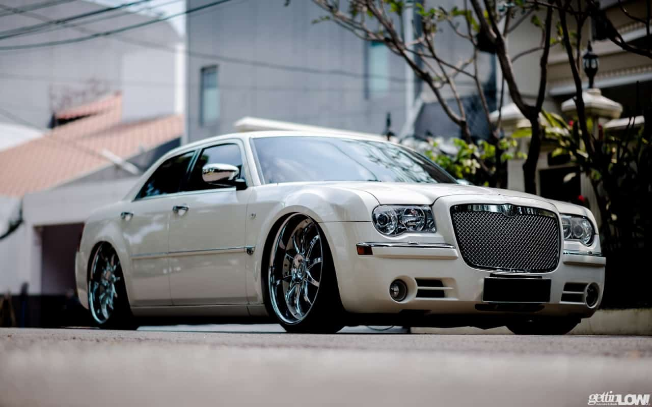 Luxurious & Style: Chrysler 300C with Ksport Air Suspension
