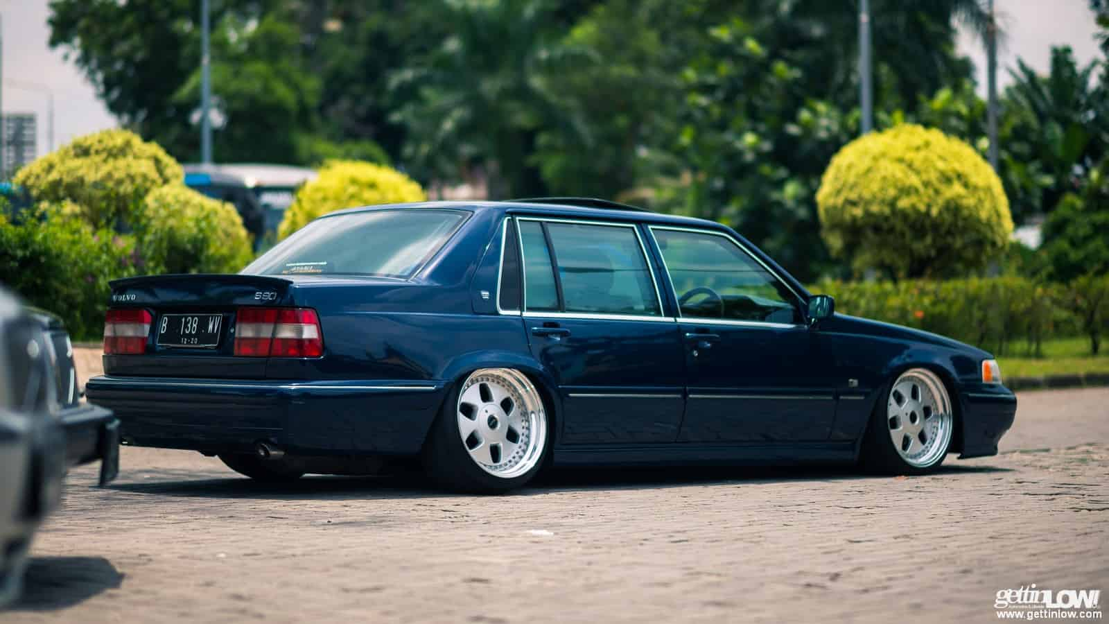 GETTINLOW   Andy: 1995 Bagged VOLVO S90