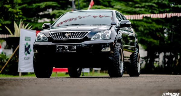 Tampilan Off-Road di Toyota Harrier 2008