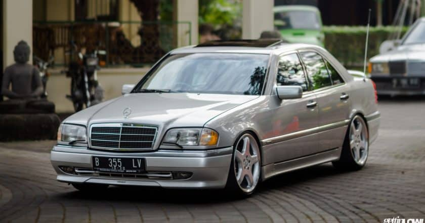 Trey Coesno: 1995 Mercedes-Benz W202-C200 Full AMG
