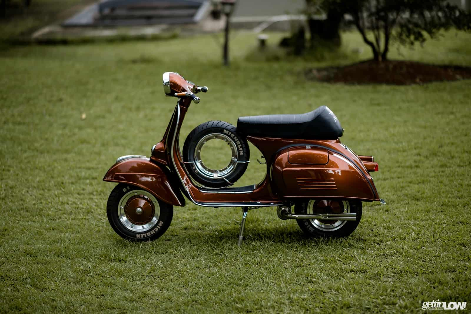 https://www.gettinlow.com/wp-content/uploads/2018/01/bimantoro-wiyono_VESPA-VELOCE-1977_05.jpg