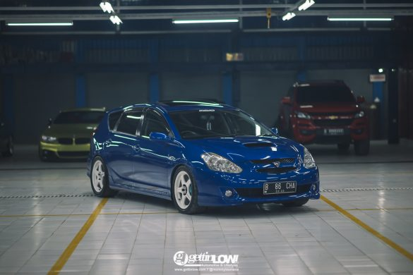 Arief's 2004 Toyota Caldina on Rays TRD T3