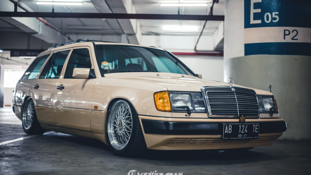 Bagged 1993 Mercedes-Benz W124 TE // Alliv