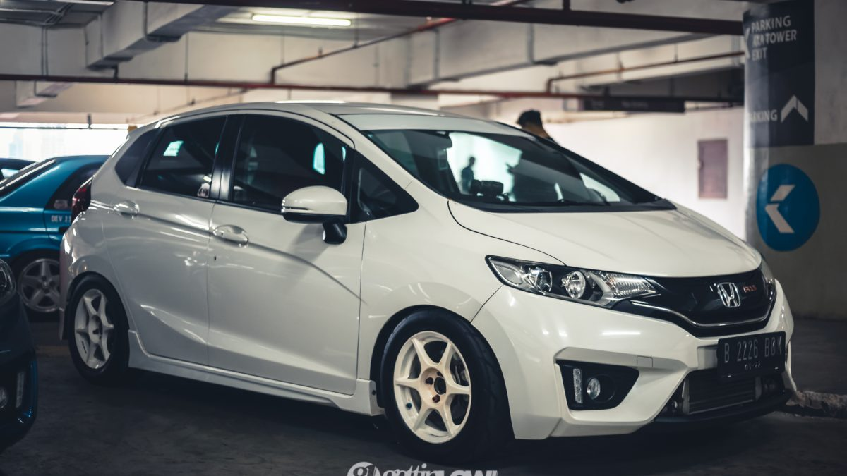 2017 Honda Jazz RS GK5 on Buddy Club P1